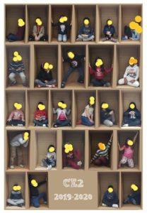Encartonner ses élèves le temps d'une photo.